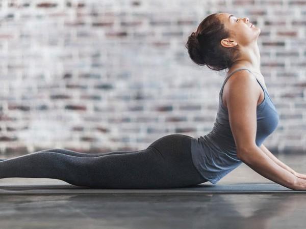 Comienza la mañana con esta rutina de yoga.