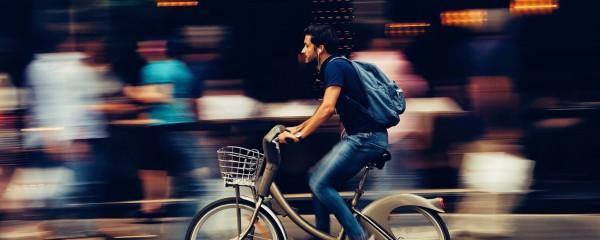 Las bicicletas también son para el trabajo.