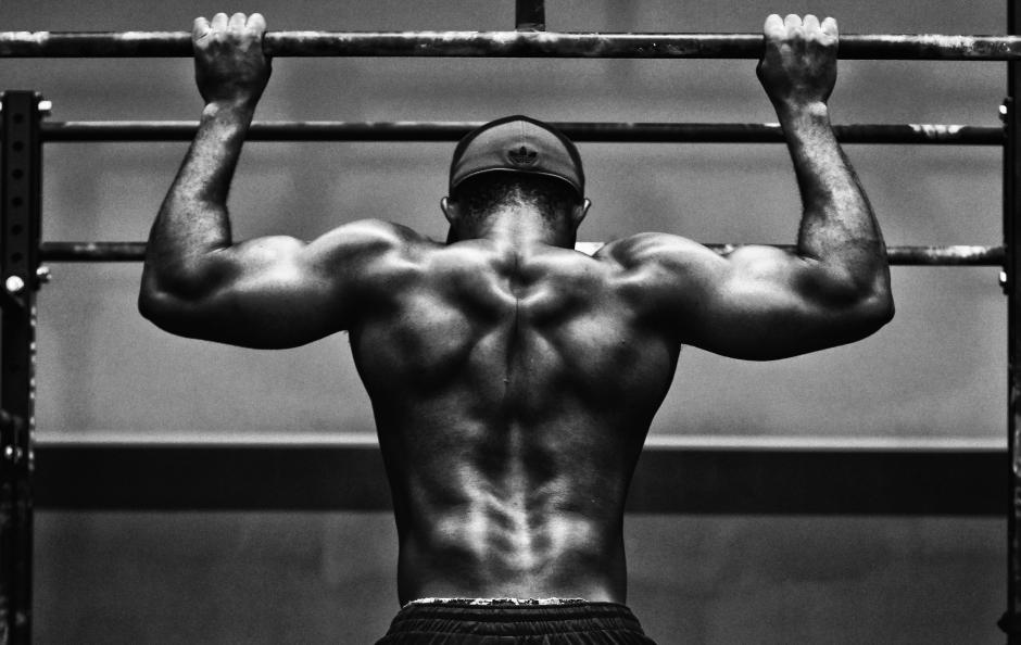 Ejercicios para la espalda en el gimnasio.